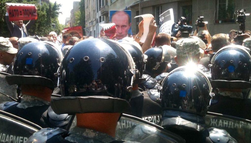 Рокфеллеры обеспокоены любовью сербов к России
