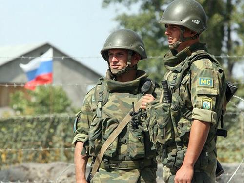 Представители сербской оппозиции просят Путина ввести российских миротворцев в Косово