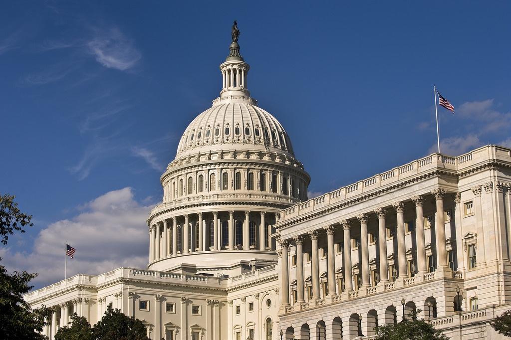 Сенаторы США хотят усилить пропаганду в Сербии