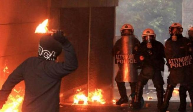 Греция: Анархисты объявили властям войну
