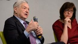Die Grüne EU-Fraktionschefin Rebecca Harms mit dem George Soros.