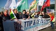By Mehr Demokratie (Foto by Edda Dietrich) (Großdemo gegen TTIP und CETA) [CC BY-SA 2.0], via Wikimedia Commons
