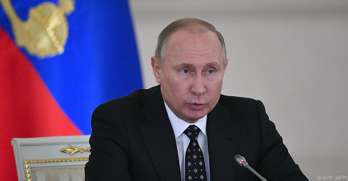 Putin nennt Bombenanschlag in St. Petersburg Terrorismus