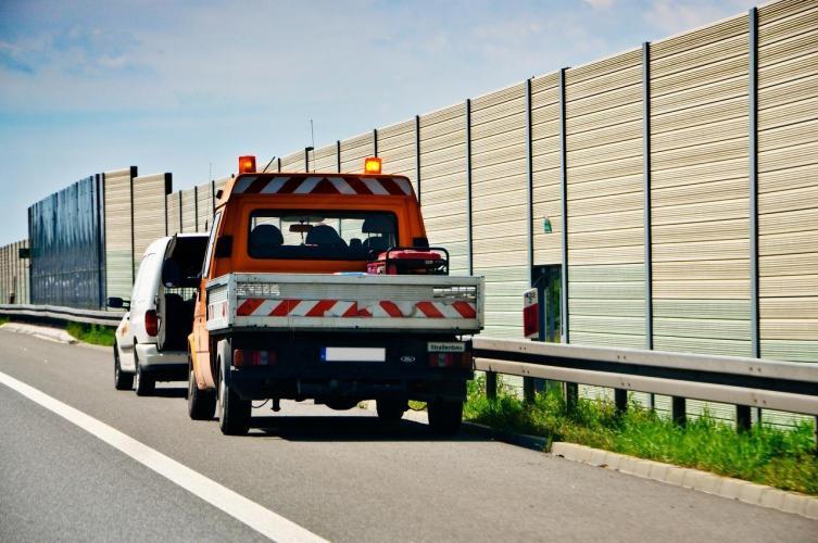 Holowanie samochodu - przepisy