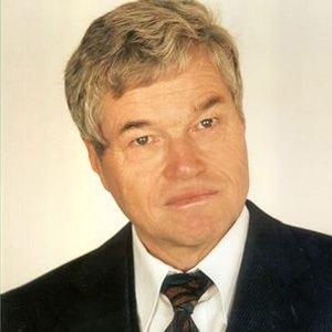 <b/><u>Joachim Holtz</u>