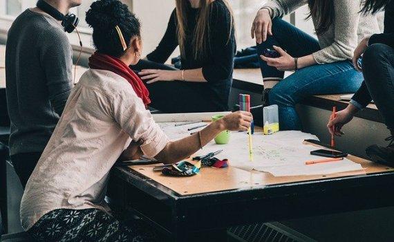étudiants en réunion