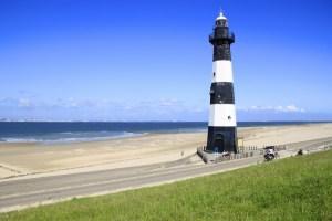 Leuchtturm Breskens mit Strand und Fahrradweg