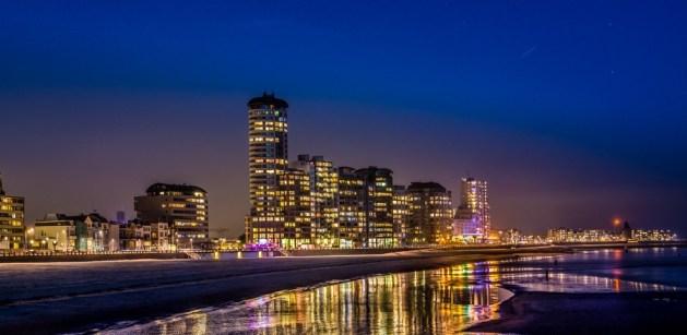 Boulevard Vlissingen bei Nacht Totale vom Strand