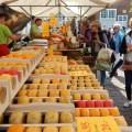 Käsestand auf Markt in Veere