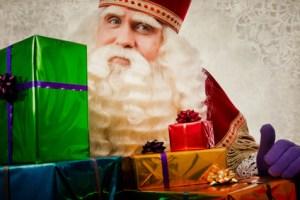 Sinterklaas mit Geschenken
