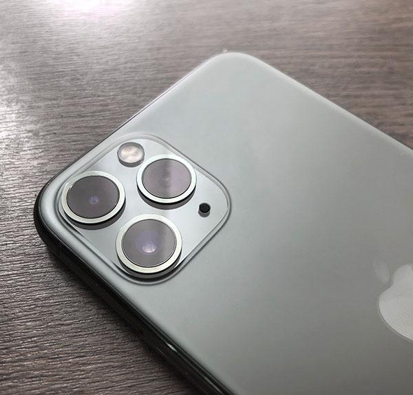 iPhoneのトリプルレンズ