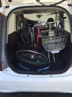 軽乗用車に自転車を積載