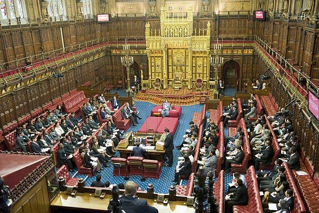 Briti nechcú biskupov vSnemovne lordov
