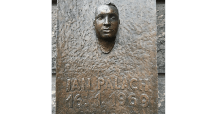 Dnešní výročí sebeoběti Jana Palacha: rozhovor sjeho farářem