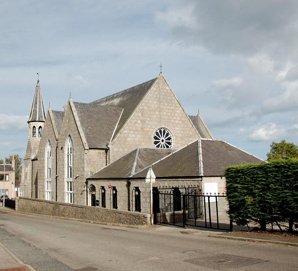 Kostely ve Skotsku dávají sbohem presbyteriánské církvi, ojeden mají zájem hinduisté