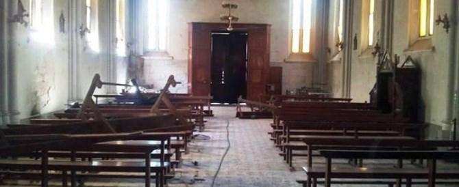 Hurlant des versets du Coran, un marocain saccage une église italienne