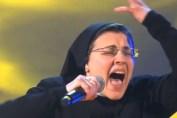 Soeur Cristina dans la comédie musicale Sister Act : une infiltrée dans le monde du spectacle ?
