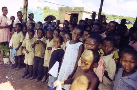 Die Zahl der Waisenkinder wächst von Tag zu Tag
