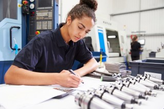 STEM-women-in-manufacturing.jpg