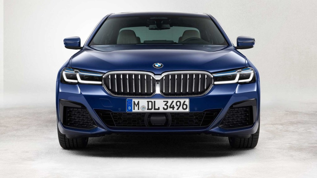 The renewed BMW 5 Series already has prices: Saloon and Touring