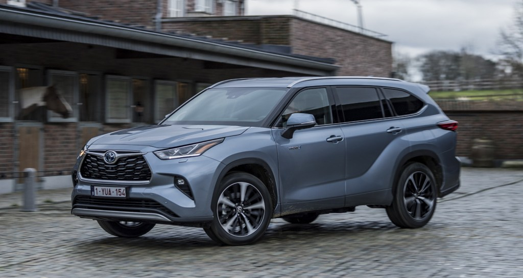 Now on sale the new Toyota Highlander: Something expensive but interesting