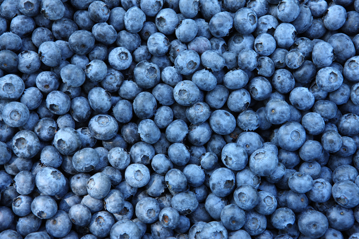 What are the benefits of eating blueberries