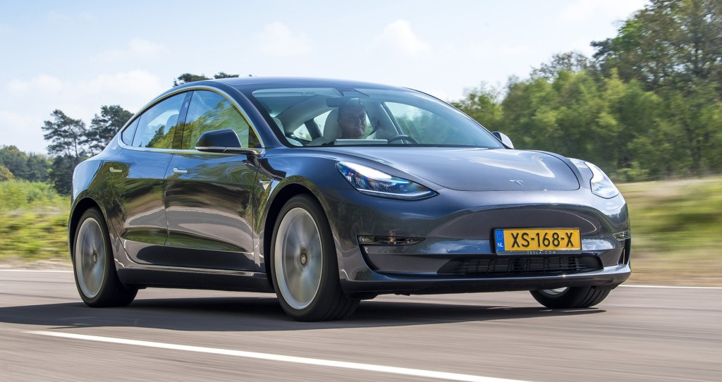 """The launch of new electric in Europe """"outshines"""" Tesla: Loses share"""