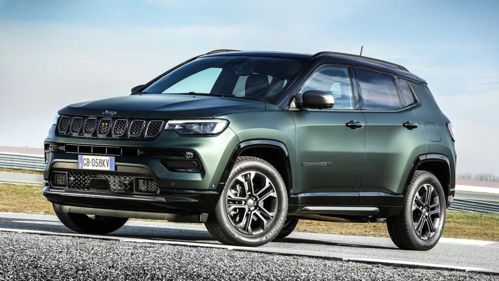 First images of the renewed Jeep Compass for Europe