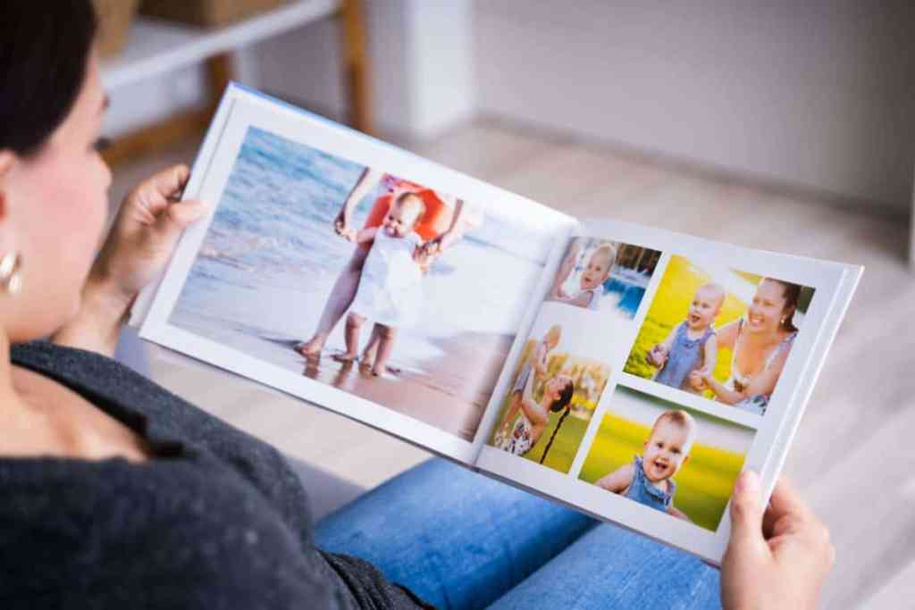 How to make a photo album of your vacation easily?