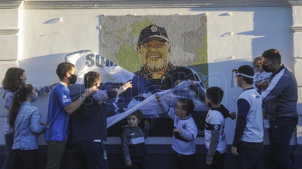 Maradona inmortalizado en La Plata (Foto: Eva Cabrera).