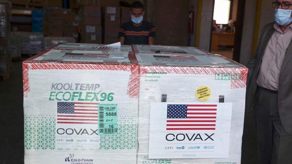 Las vacunas serán compradas a precio de costo y distribuidas mediante el mecanismo internacional Covax (Foto AFP)