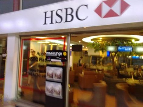 Tekan Biaya, HSBC Potong Gaji Karyawan