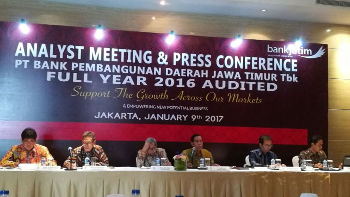 Kredit Bank Jatim Tumbuh 4,45% di 2016