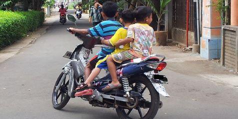 Kecelakaan Lalulintas Melibatkan Anak Anak