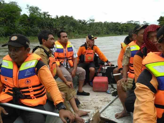 Pencarian Warga gogodeso di Sungai brantas