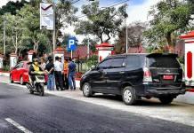 Pencurian dengan Memecah Kaca Mobil di Aloon Aloon Blitar