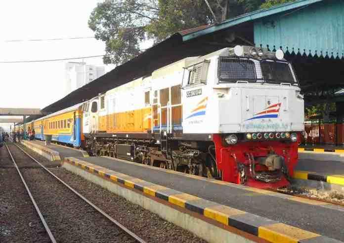 kereta api. foto mudikgratis com