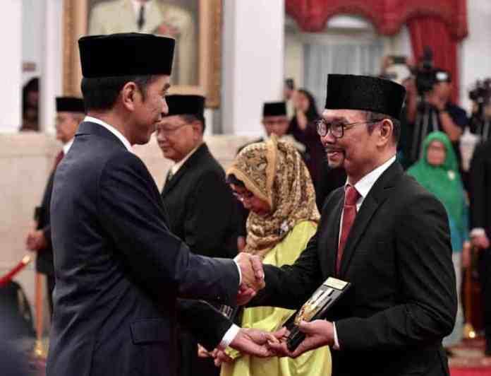 Penganugerahan Gelar Pahlawan di Istana Negara Kemarin
