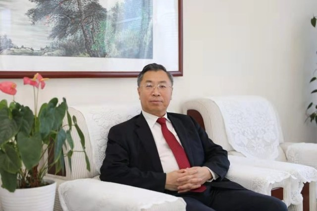 Mr. Liu Jingzhen, Chairman of Sinopharm