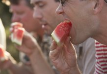 Avoid Noisy Eating It Can be Anger-Inducing : Report Says