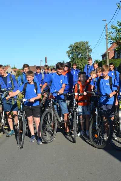 KSA'ers met de fiets op kamp naar Lichtervelde