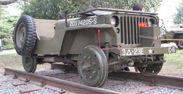 Vehículos militares en Autoclásica 2013