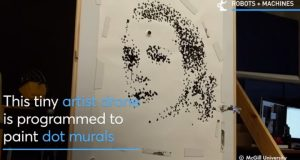 drone dipinge ritratti-drone artista-news-paul kry