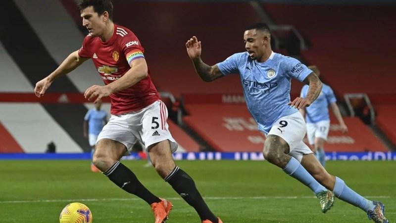 El líder Manchester City quiere seguir de racha ante Manchester United en la Premier