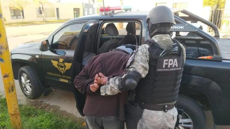 Realizaban delivery de drogas en barrios de San Francisco y fueron detenidos por la FPA