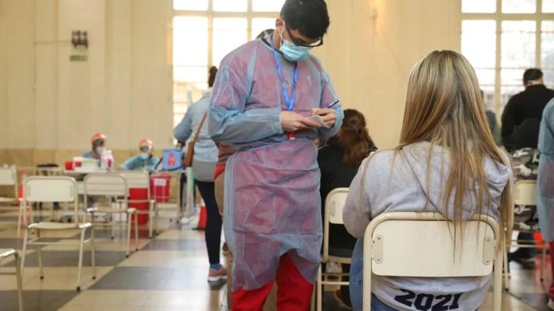 Comenzó la vacunación contra el Covid para personas de 12 a 17 años