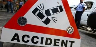 Doi spanioli s-au răsturnat cu mașina la Cerna Sat