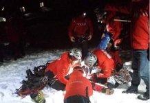 Şapte turişti au rămas blocaţi pe Transalpina din cauza zăpezii. Salvamontiștii au avut parte de o misiune dificilă