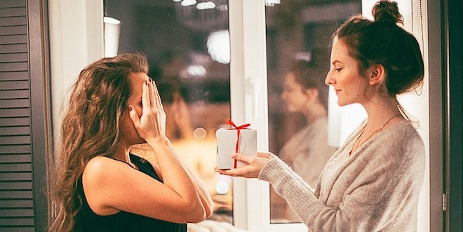 10 Easy Secret Santa Gift Idea for Co-Workers
