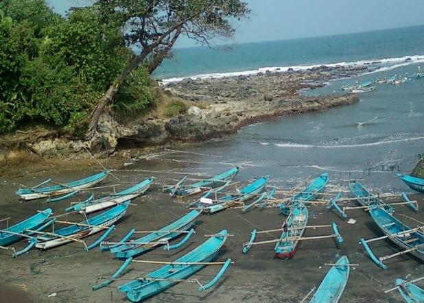 Tempat-wisata-di-Cianjur-Pantai-Jayanti-Cianjur